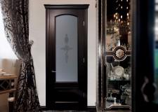 Двери с бевелс-витражом