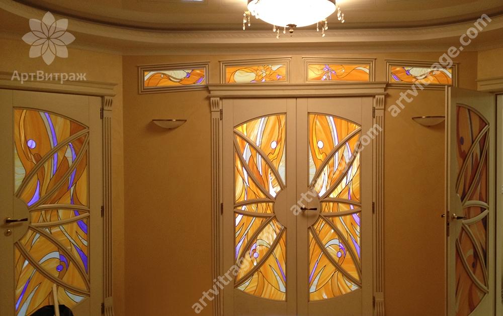 Двери с витражами