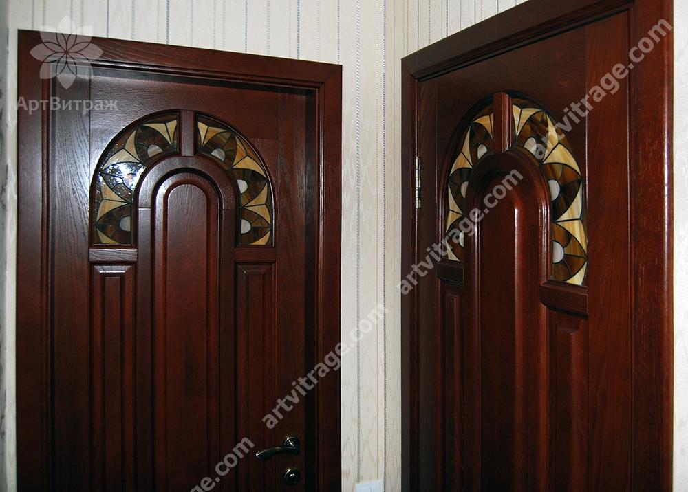 Двери с витражами Тиффани