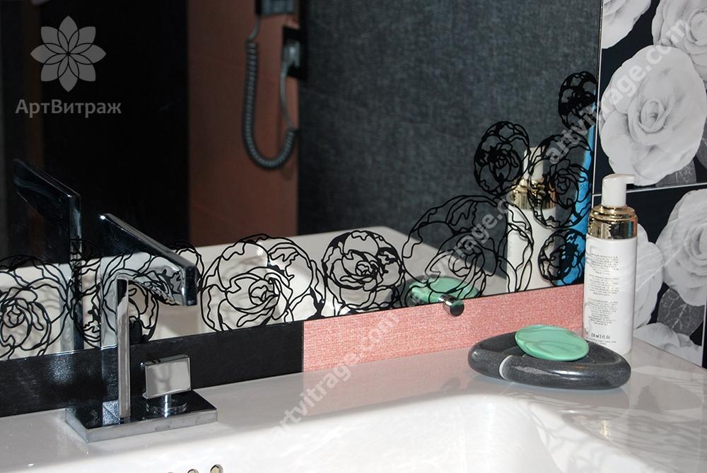 Зеркало с художественной покраской «Розы»