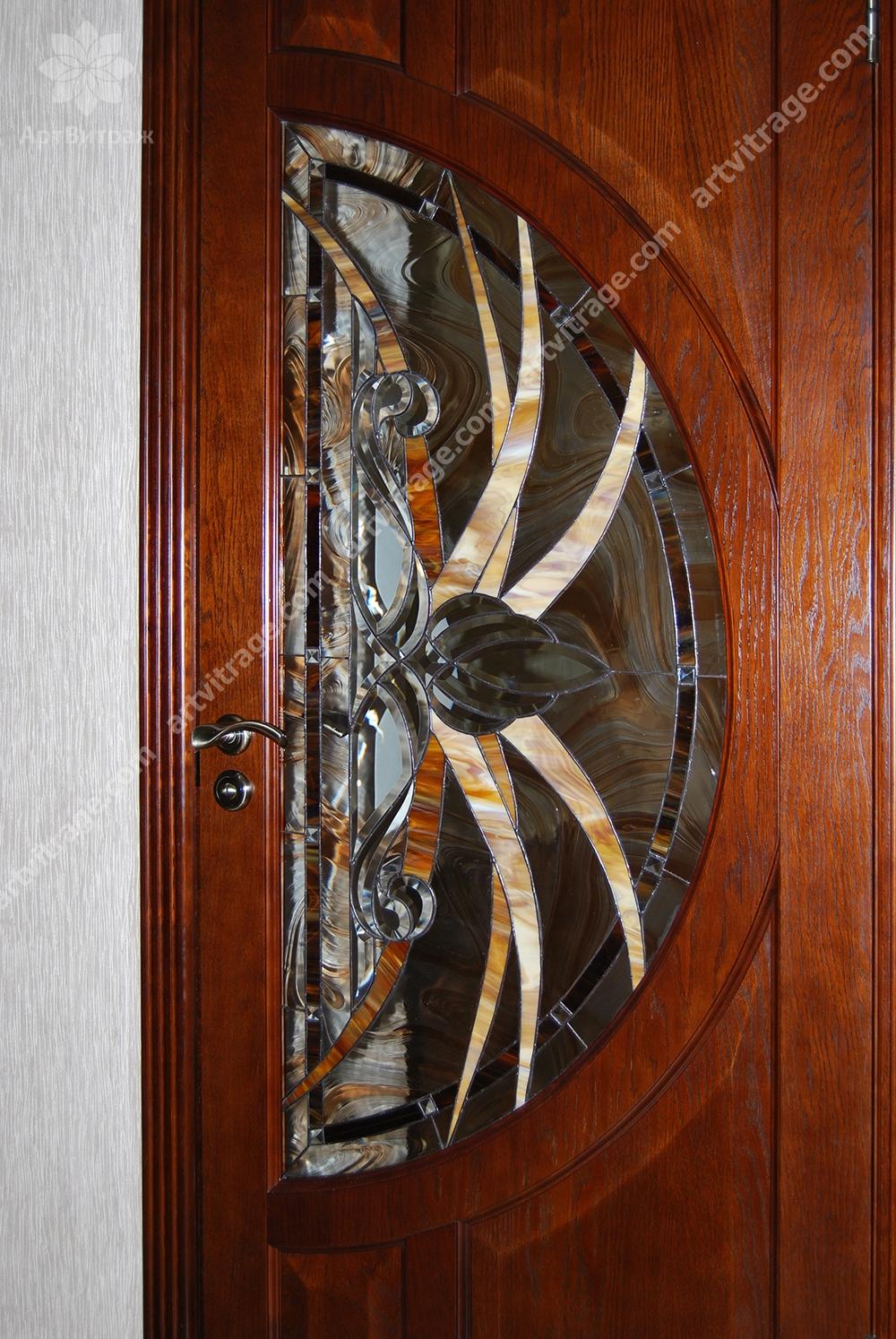 Двери с Тиффани и хрусталем