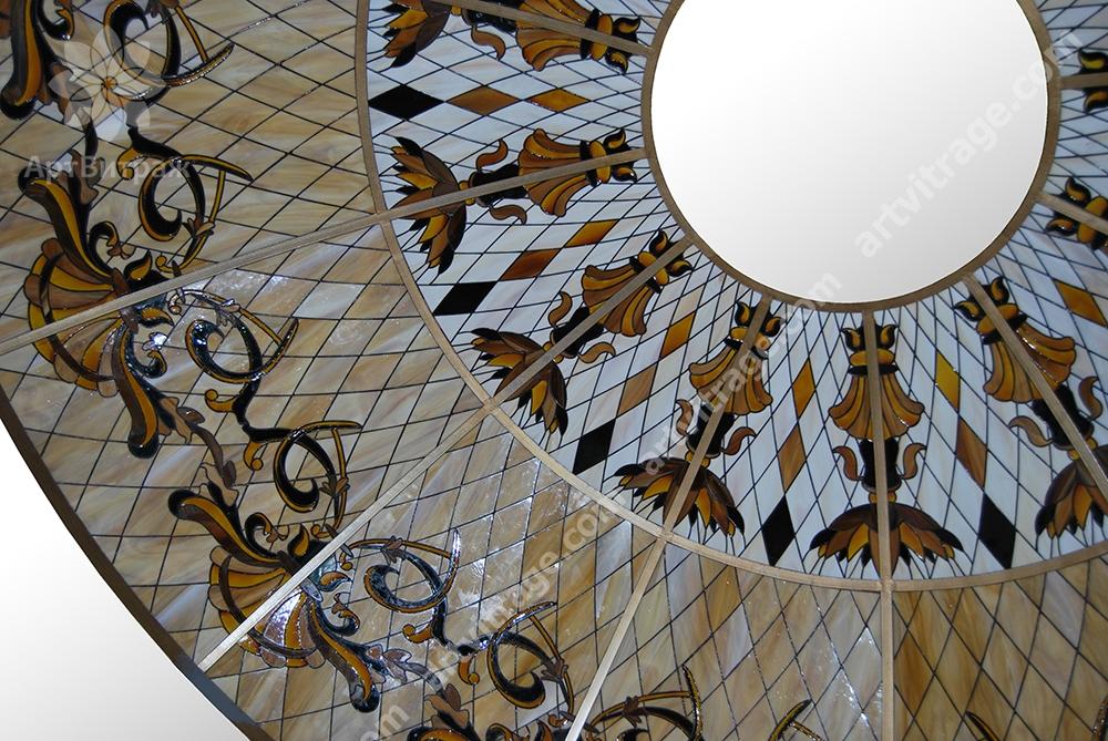 Витражный купол Тиффани в потолок