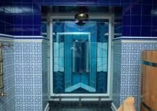Оконный витраж для ванной комнаты
