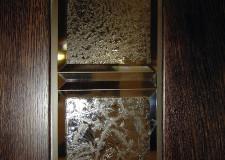 Двери с хрустальными элементами